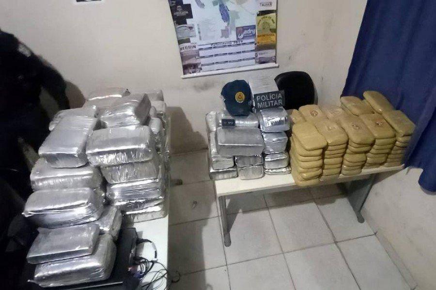 Essa é considerada a maior apreensão de drogas feita pelo segundo Comando de Policiamento Regional na região (Foto: Divulgação)