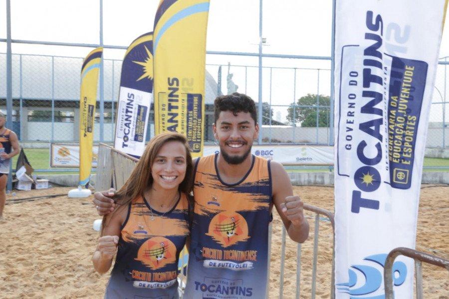 Luiza Leite (à esquerda) e Marcelo Sales (à direita) na categoria Mista (Foto: Márcio Vieira)