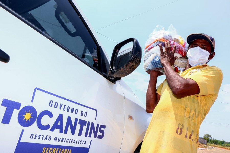 Governo do TO atende 1,2 mil famílias impactadas pela pandemia com entrega de kits de alimentos em Sítio Novo (Foto: Carlessandro Souza)