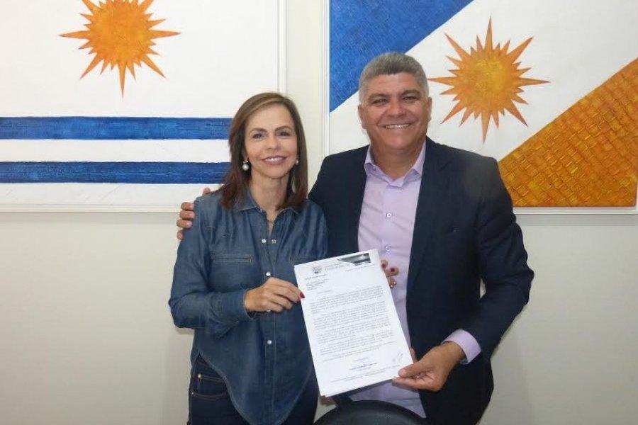 Com deputada Dorinha, Cláudio Santana solicita construção e reforma de escolas