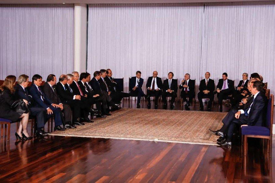 Encontro ocorreu no Palácio Alvorada, em Brasília, quando governadores de 14 estados discutiram o refinanciamento das dívidas (Foto: Marcos Corrêa)