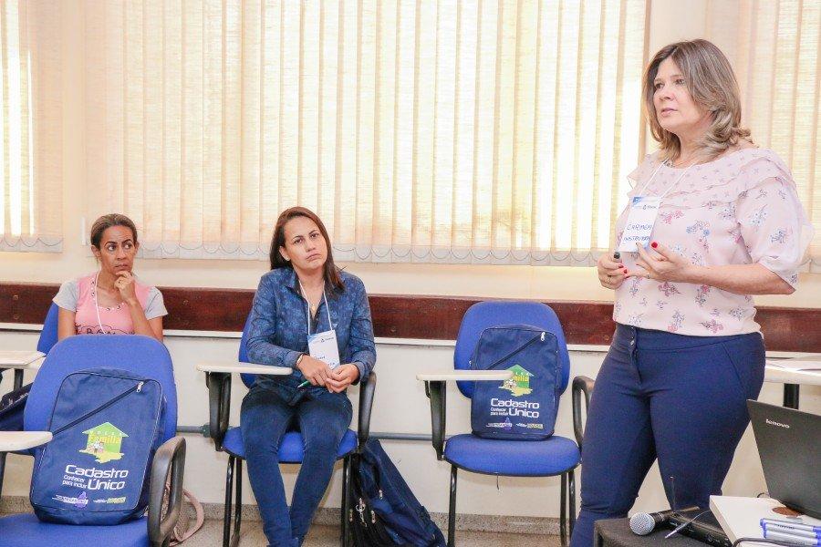 Coordenadora Estadual do PBF fala sobre importância da capacitação (Foto: Carlessandro Souza)
