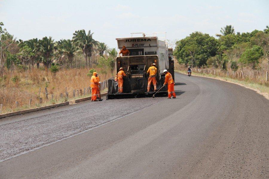 Obras seguem pela TO-404 de Araguatins a Augustinópolis
