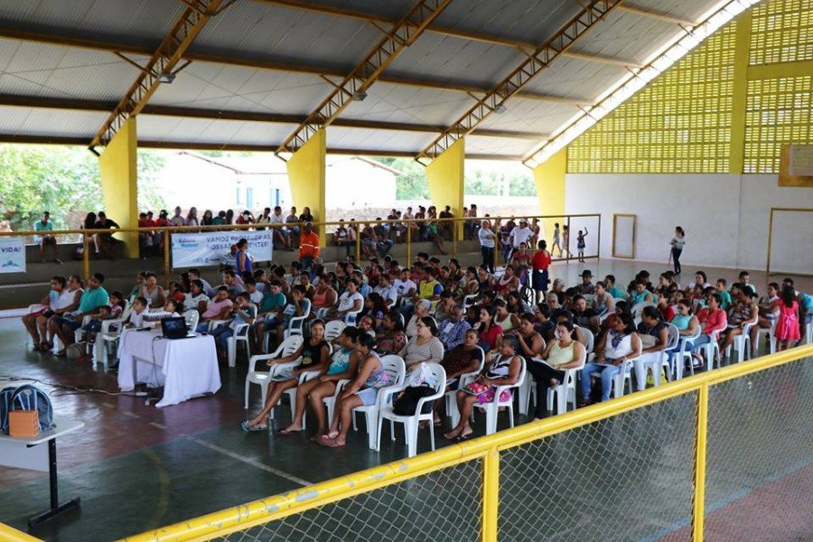 Ciclo de palestras reúne público no ginásio da Escola Municipal 1º de Junho