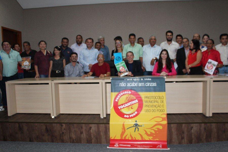Assinatura de parceria sobre queimadas tem grande participação de representantes municipais do Bico do Papagaio