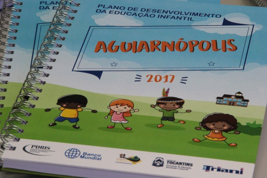 O material foi elaborado conforme a realidade educacional e social de cada município