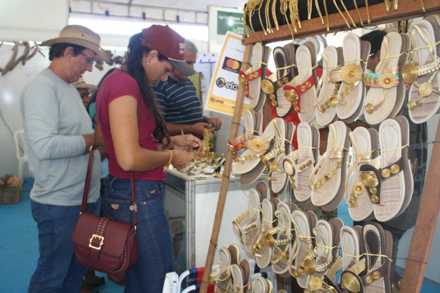 25 expositores de todas as regiões do Estado participaram da feira