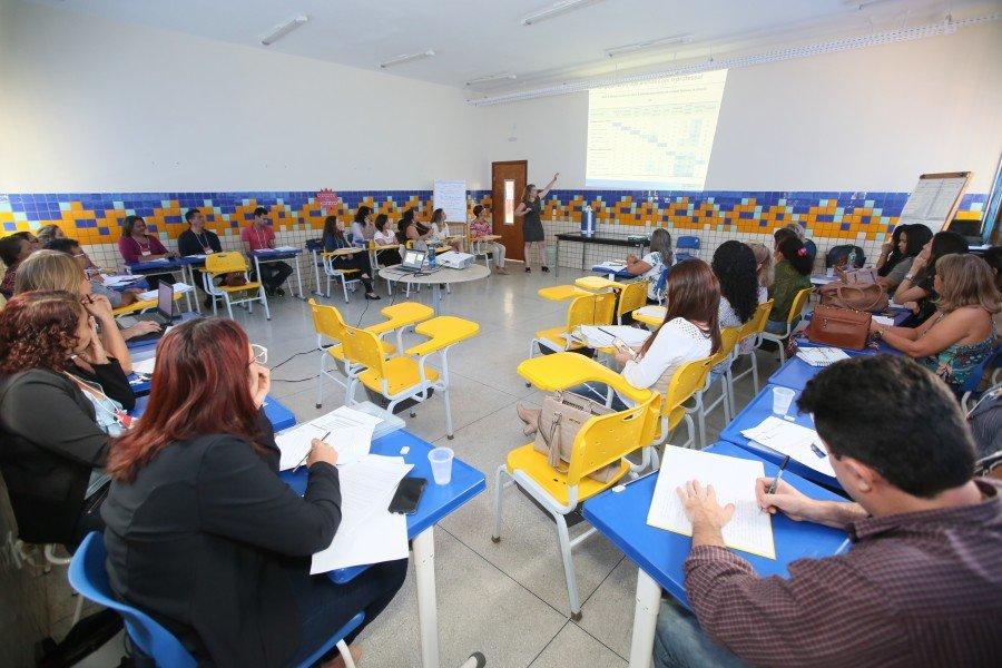 A formação é para assessoramento na realização da pesquisa piloto Observatório de Sala de Aula nas escolas contempladas pelo PEC
