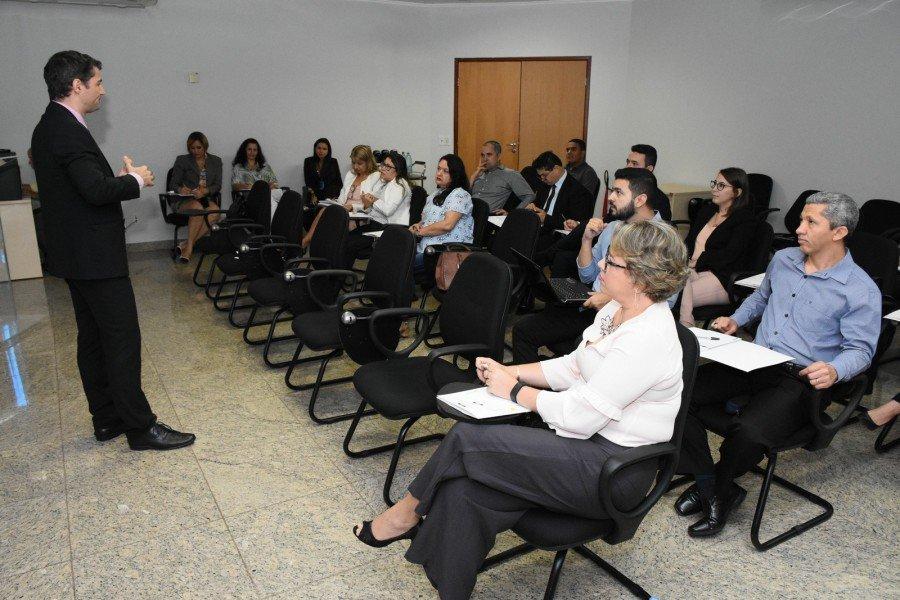 Encontro de promotores de Justiça discutiu ações para a garantia dos direitos da criança e do adolescente