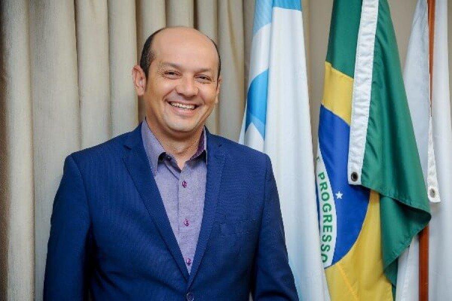 Júlio Oliveira, prefeito de Augustinópolis (Foto: PRB 10)
