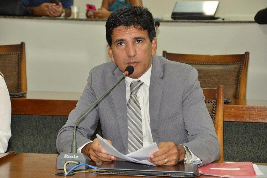 Deputado Professor Júnior Geo propõe Lei para dispositivo que visa garantir a segurança das mulheres