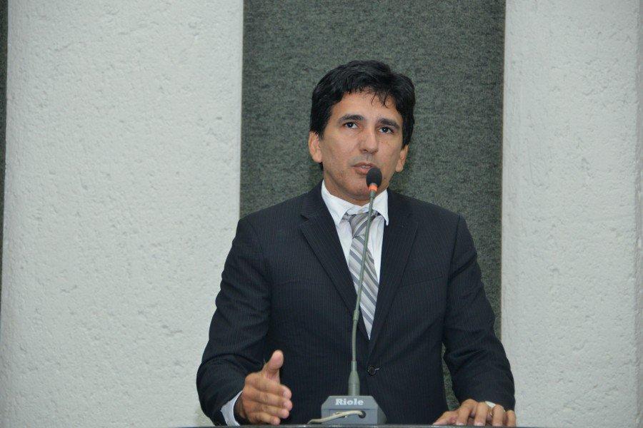 Professor Júnior Geo apresentou PL para a isenção da taxa de inscrição em concursos públicos para os doadores de sangue e medula óssea