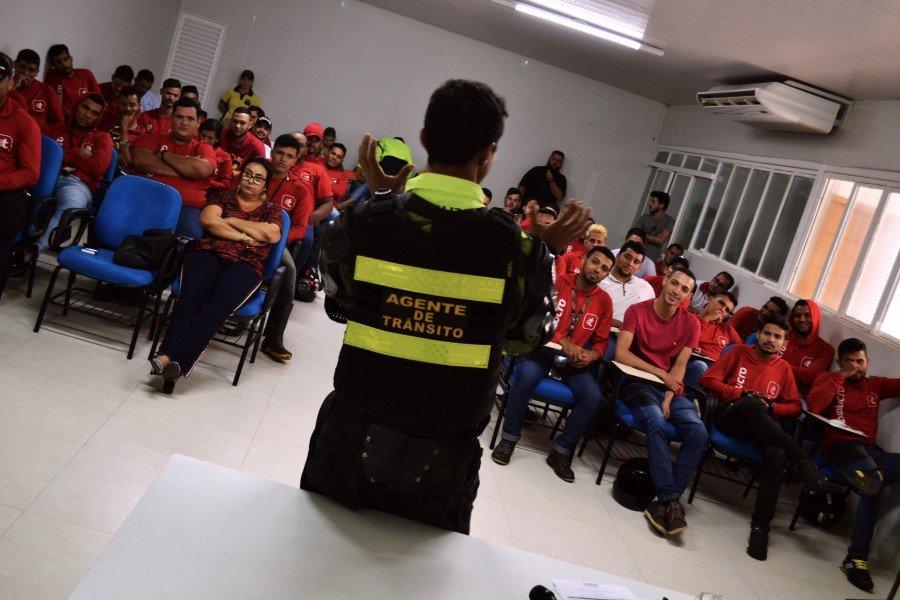 Palestra contou a participação de todos os motociclistas colaboradores, que fazem o trabalho de entregas da empresa