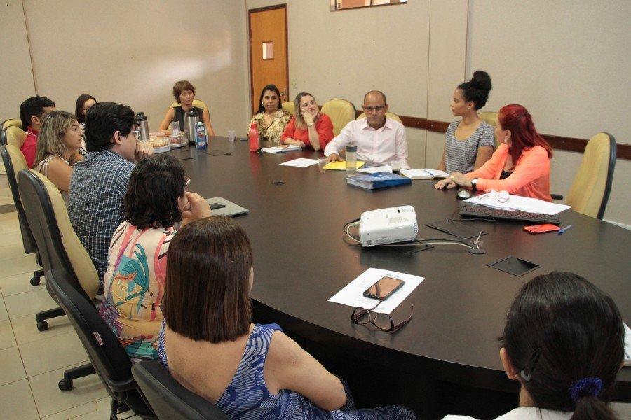 Membros do CEP se reuniram na tarde desta quarta-feira (Fotos: Edivan Cavalcanti / Ascom Unitins)