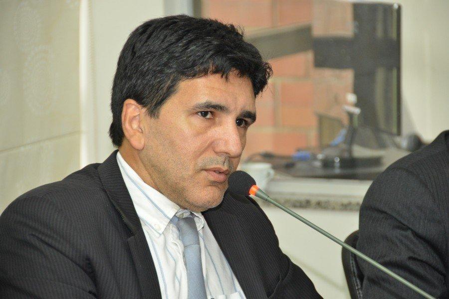 Deputado Prof. Júnior Geo votou contra estatuto da Polícia Civil e PEC que permite transferência de delegados pelo governo