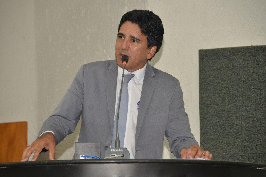 Deputado Professor Júnior Geo apresentou Projeto que garante inclusão de alunos com necessidades especiais nas escolas