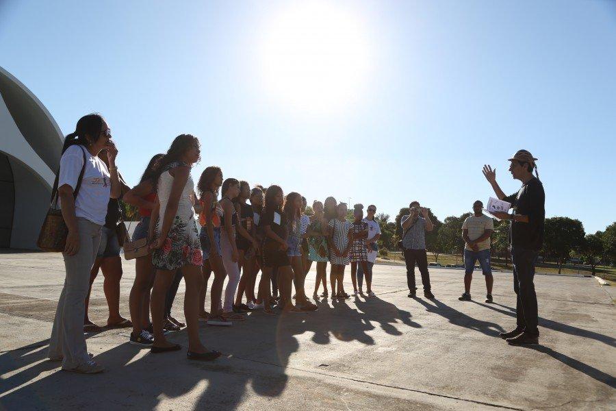 Participaram do passeio geoturístico os estudantes da Escola Municipal Genésio Gomes, de Praia Norte, e do Colégio Estadual Coronel José Francisco de Azevedo, de Conceição do Tocantins