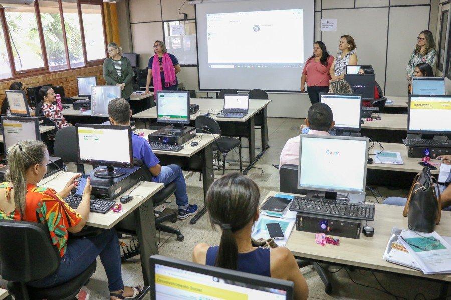Técnicos de Cachoeirinha, Darcinópolis, Itaguatins, Tocantinópolis e de mais 9 municípios do TO participam de teleconferência sobre o Sistema Acessuas Trabalho