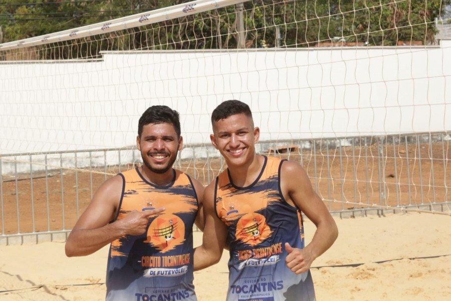 A dupla Gustavo Pereira (à direita  e Elves Alves (à esquerda) venceram os jogos na Série C (Foto: Márcio Vieira)