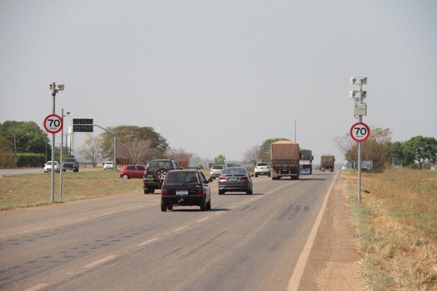 Radares fixos eletrônicos de redução e de controle de velocidade visam reduzir acidentes de trânsito (Foto: Divulgação/Ageto)