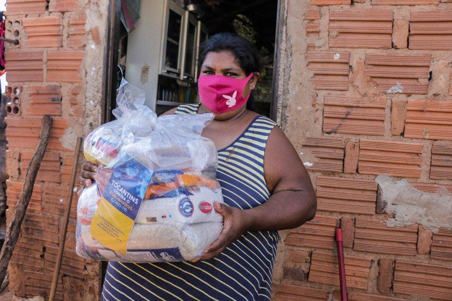 Governo atende 450 famílias famílias em Axixá, Maurilândia, Palmeiras e São Miguel com entrega de kits de alimentos (Foto: Carlessandro Souza)