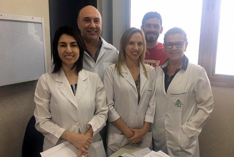 Equipe do mutirão de exames de colo de útero (Foto: Nielcem Fernandes)