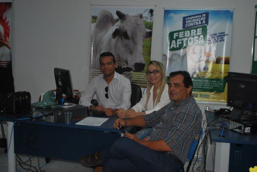 Representante da Adepará vem ao Tocantins conhecer trabalho da Adapec no controle da raiva dos herbívoros (Foto: Delfino Miranda)