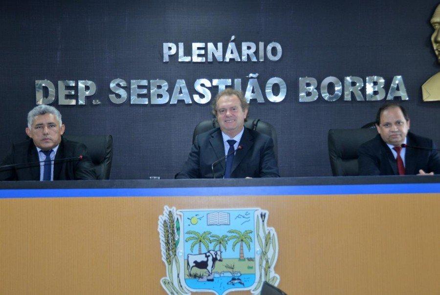 Matérias foram lidas durante sessão em Miracema (Foto: Isis Oliveira)