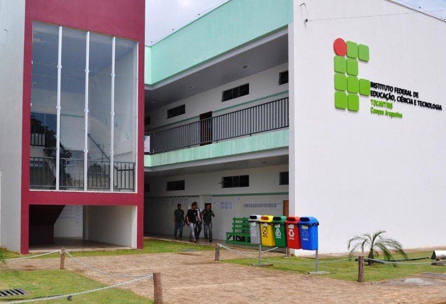Para o Campus Araguatins, 01 vaga e cadastro de reserva dos estudantes ao subprojeto de Biologia