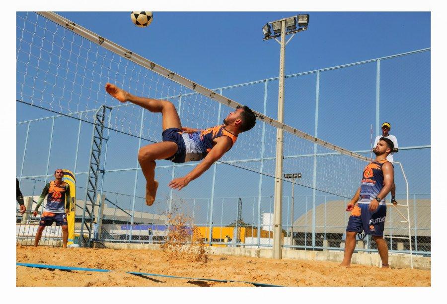 Circuito Tocantinense de Futevôlei conta com o talento de centenas de atletas (Foto: Márcio Vieira)