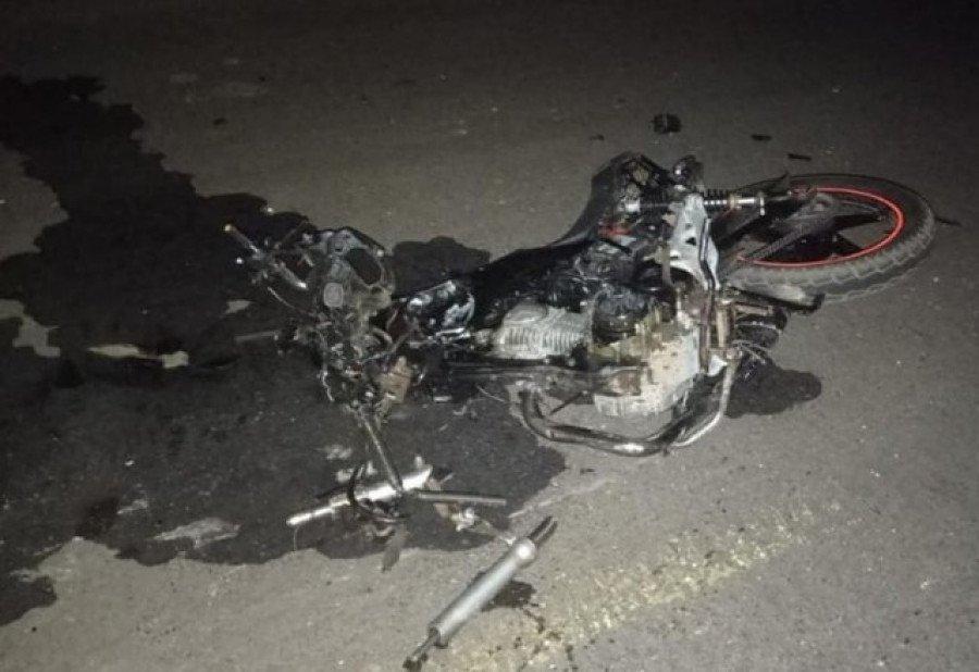 Veículo envolvido no acidente ficou totalmente destruído (Foto: Divulgação)