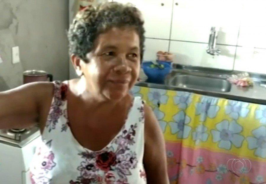 Sogra do vereador ficou com medo dos disparos atingirem netos e a filha (Foto: Reprodução/TV Anhanguera)