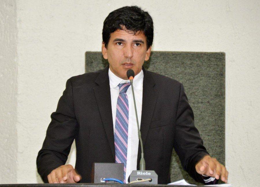 Deputado Estadual Professor Júnior Geo apresentou Projeto de Lei que propõe maior transparência sobre obras públicas
