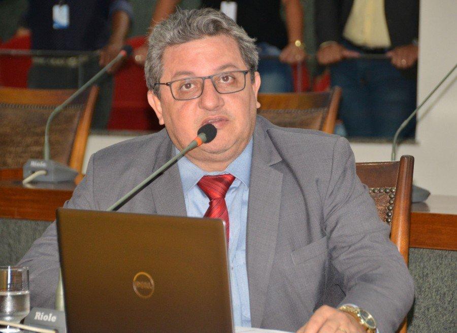 Deputado Jair Farias requere ao Governo do Estado extensão da isenção de ICMS para pescados de rios e lagos (Foto: Dicom)