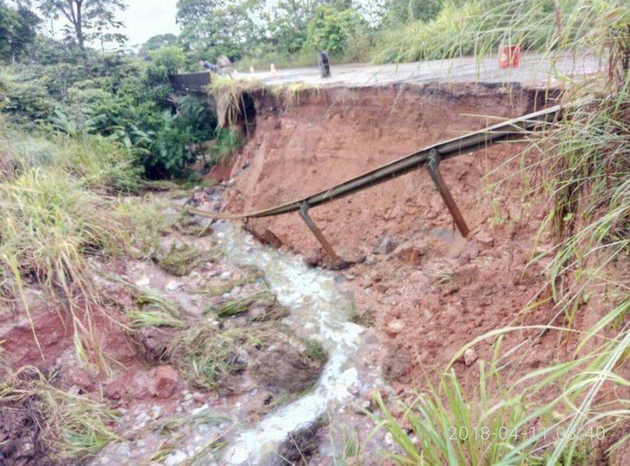 Parte de rodovia desaba em Xambioá (Foto: Divulgação)