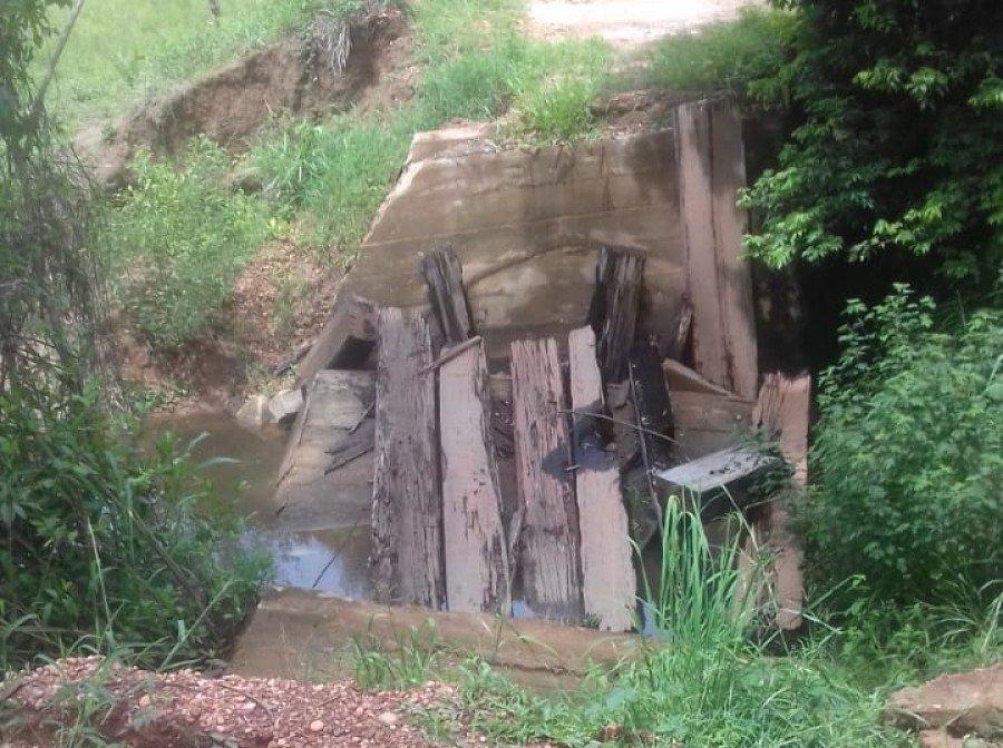 Moradores de assentamento mostram novamente ponte em estado de calamidade pública