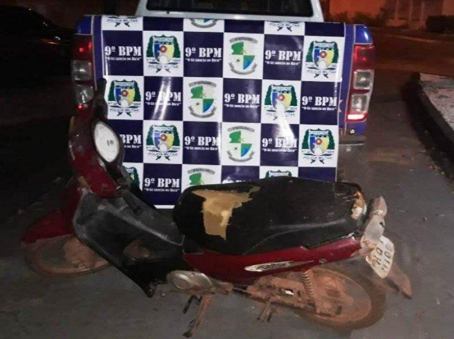 Moto apreendida pela PM no povoado Trecho Seco, município de São Bento do Tocantins