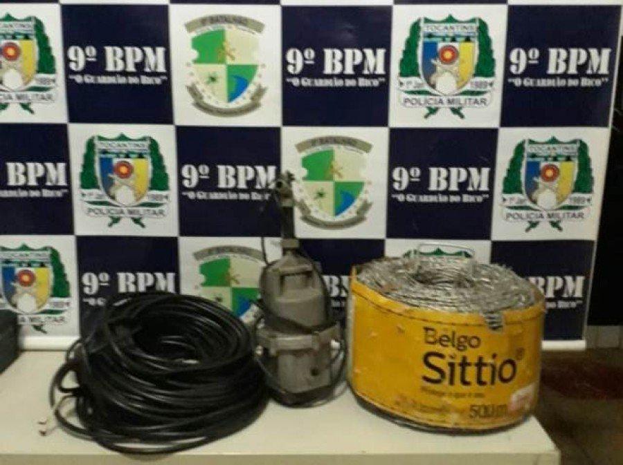 Bomba d'água e extensão de fio elétrico recuperados pela PM em posse do homem preso por furto no povoado de Bela Vista em São Miguel do Tocantins