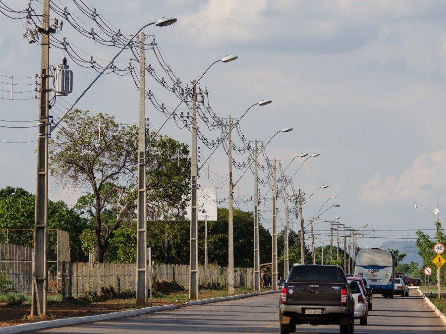 Distribuidora faz trabalho junto às empresas de telecomunicações para garantir o uso correto e seguro das estruturas