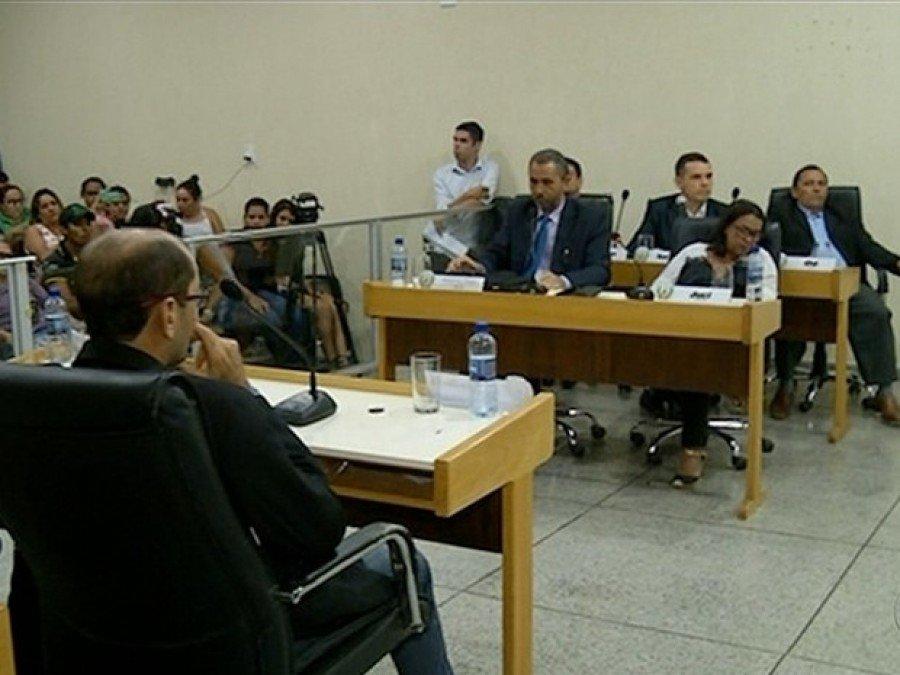 Vereadores aprovaram aumento ainda maior que o original (Foto: Reprodução/TV Anhanguera)