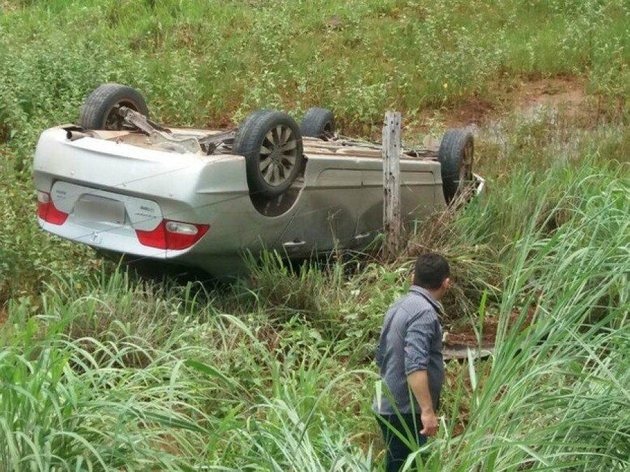 Motorista saiu ileso de acidente na entrada de Araguatins (Foto: Divulgação)