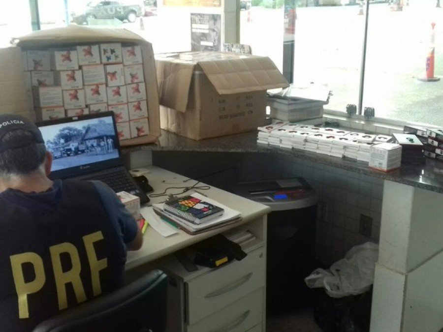 PRF apreende mais de 500 eletrônicos importados sem nota fiscal que estava sendo levados para Imperatriz-MA (Foto: PRF/Divulgação)