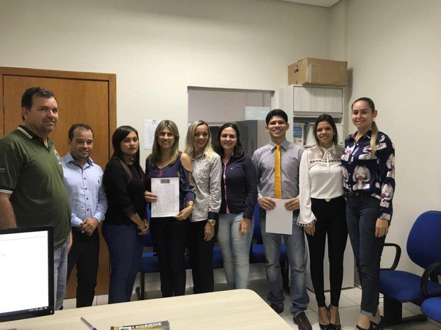 Advogados de Araguatins reunidos contra fechamento da Vara do Trabalho (Foto: Divulgação)