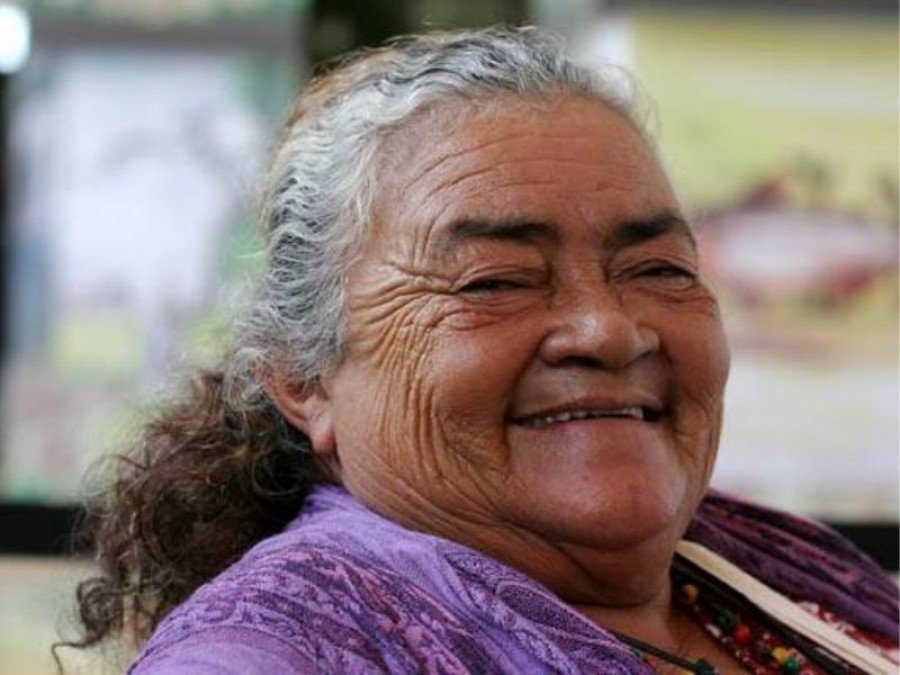 Dona Raimunda fez sua história na região do Bico do Papagaio, se tornando líder comunitária e ativista, lutando contra a ameaça dos grileiros e pela garantia dos direitos de seu povo