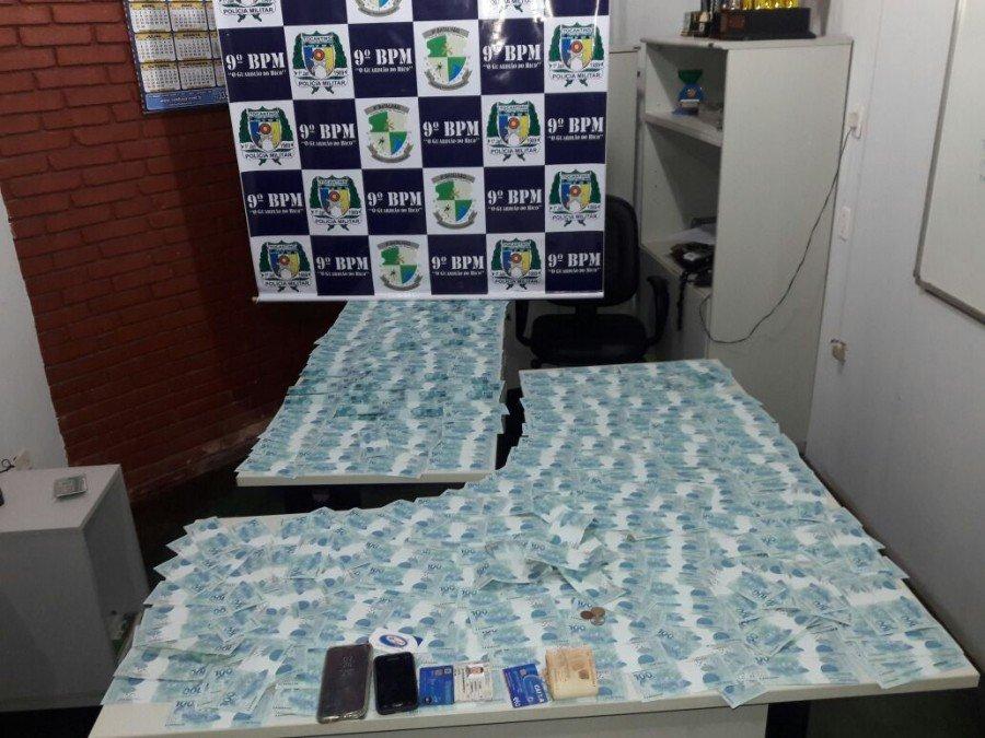 Notas falsas apreendidas pela PM em Araguatins (Foto: Divulgação PMTO)