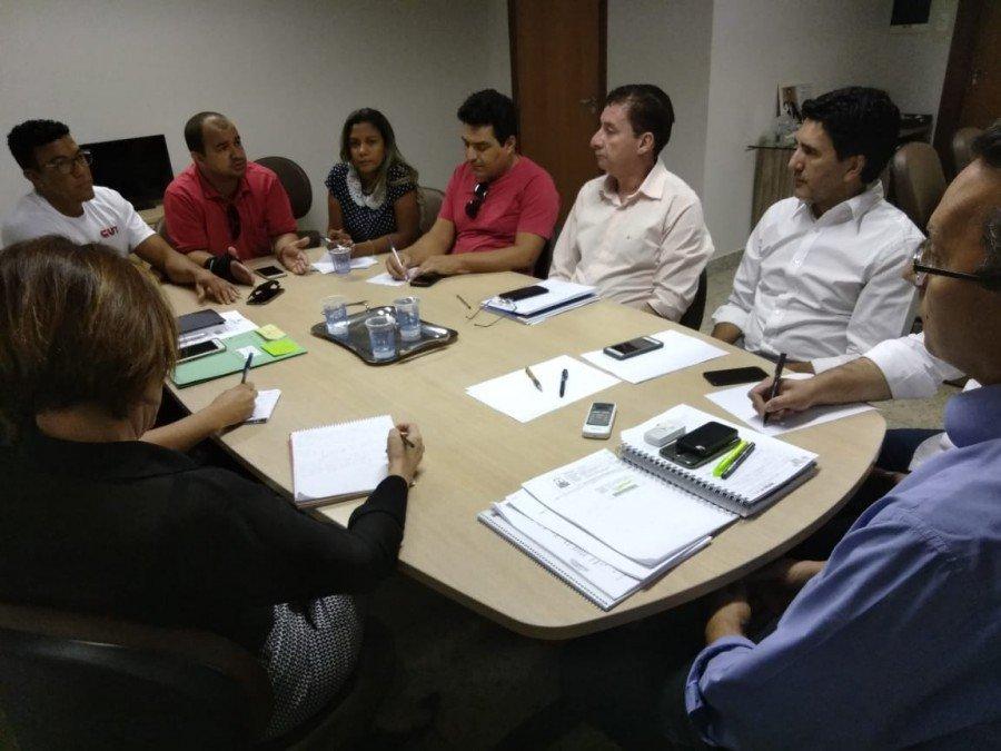 O vereador professor Júnior Geo recebeu a notícia de um representante do Executivo de que os problemas causados pela gestão anterior serão solucionados