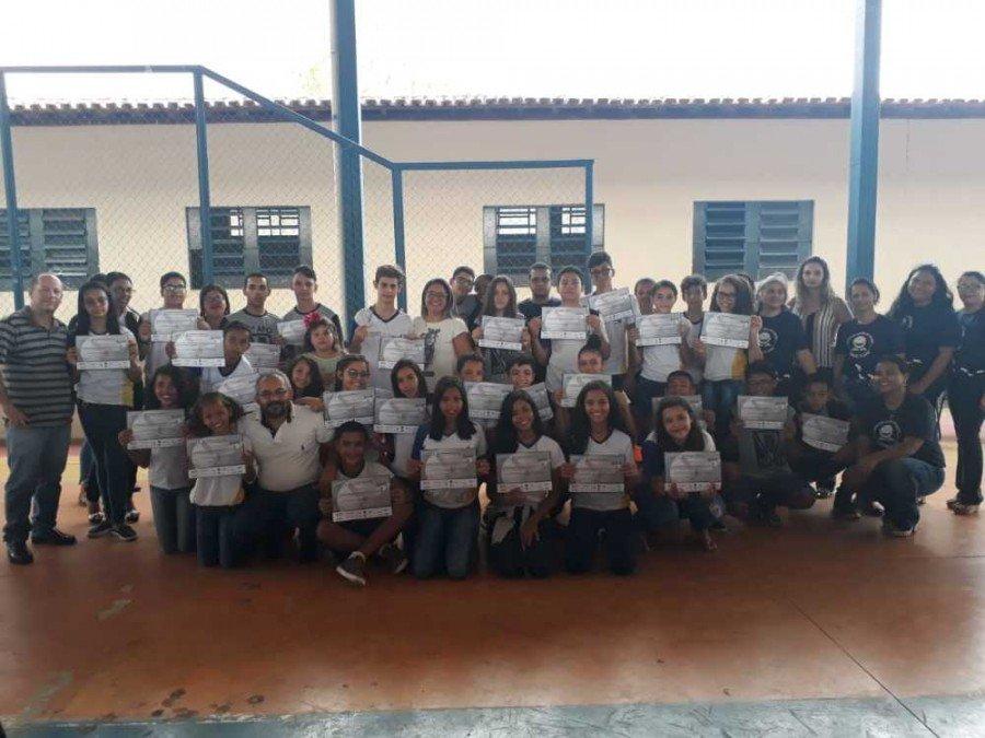 Colégio Estadual Osvaldo Franco certifica estudantes que participaram da Olímpiada Brasileira de Astronomia