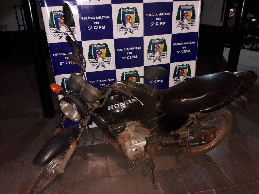 Moto utilizada pelos acusados para praticar os roubos