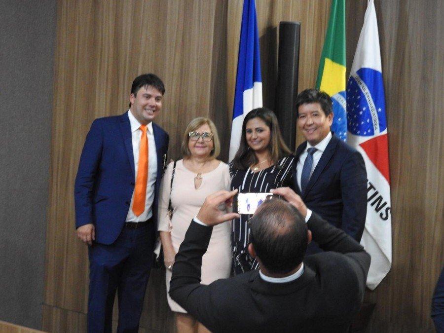 Gedeon Pitaluga (E), Lucélia Sabino (agora ex-vice-presidente), Janay Garcia (nova vice-presidente e Walter Ohofugi (D) (Foto: J. Pires)