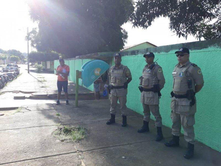 Policiamento na Escola Maria de Lourdes em Araguatins